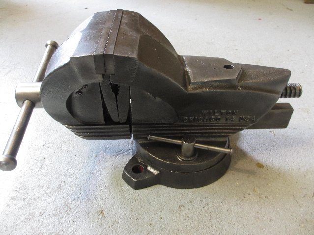 Vintage wilton shop king swivel bench vise pipe clamps